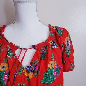 Old Navy Maternity Red Floral Short Sleeve Blouse